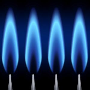 Modernste Brennwerttechnik mit Öl und Gas. Sie gilt aktuell als effizienteste Form, mit fossilen Brennstoffen zu heizen. Sie spart Kosten, erzielt hohe Nutzungsgrade und schont die Umwelt.